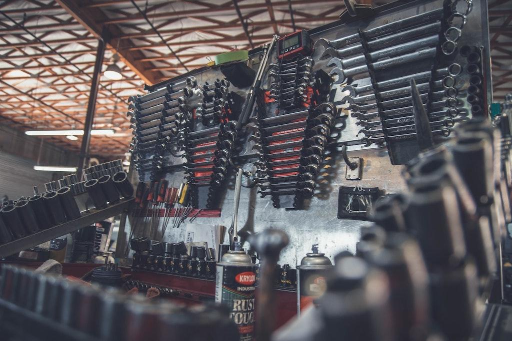 Fixing car tools